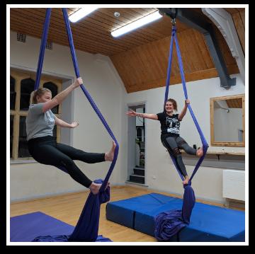 Cirque De Silk Aerial Silks Class Students