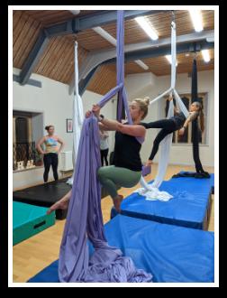 Cirque De Silk Adult Silks Class