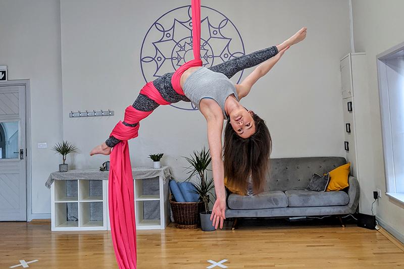 Cirque De Silk Instructor Jemma