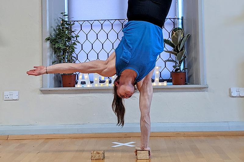 Cirque De Silk Instructor Lydia