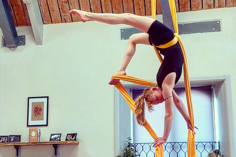 Cirque De Silk Instructor Phoebe