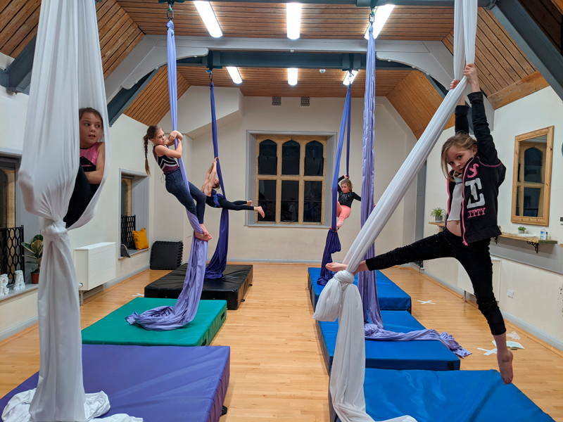 Cirque De Silk Aerial Silks Class