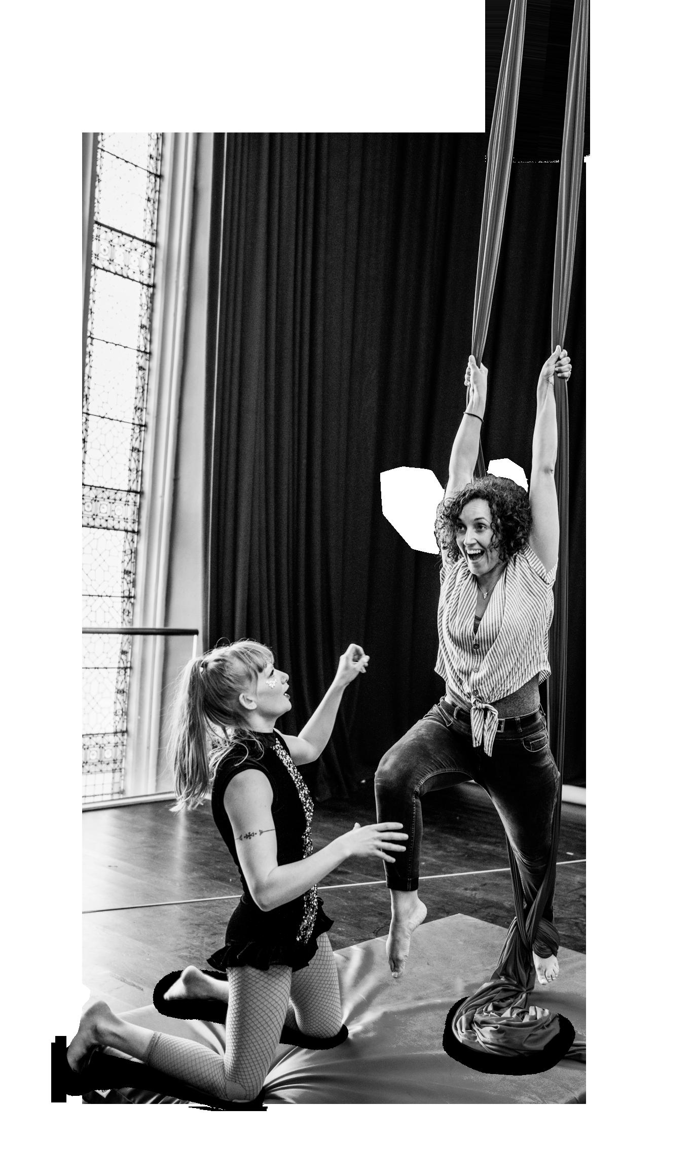 Cirque De Silk Aerial Silks Teacher