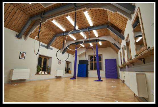 Cirque De Silk Aerial Attic Aerail Hoops
