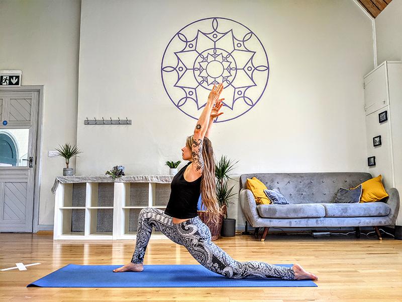 Cirque De Silk Yoga Classes